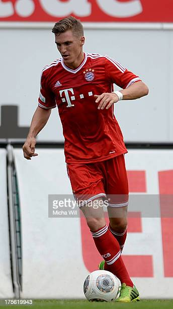 Tobias Schweinsteiger of Muenchen controls the ball during the Regionalliga Bayern match between Greuther Fuerth II and Bayern Muenchen II at Trolli...