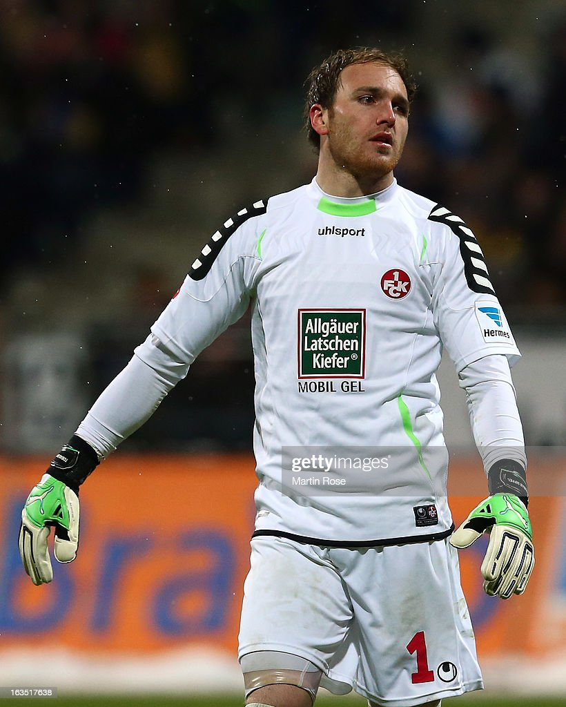 <a gi-track='captionPersonalityLinkClicked' href=/galleries/search?phrase=Tobias+Sippel&family=editorial&specificpeople=750795 ng-click='$event.stopPropagation()'>Tobias Sippel</a>, goalkeeper of Kaiserslautern reacts during the second Bundesliga match between Eintracht Braunschweig and 1. FC Kaiserslautern at Eintracht Stadium on March 11, 2013 in Braunschweig, Germany.