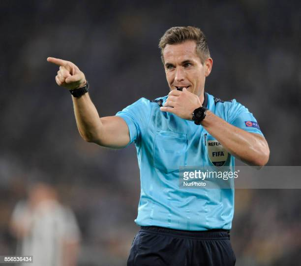 Tobias Stieler referee during the Uefa Champions League 20172018 match between FC Juventus and Olympiacos FC at Juventus Stadium Allianz Stadium on...