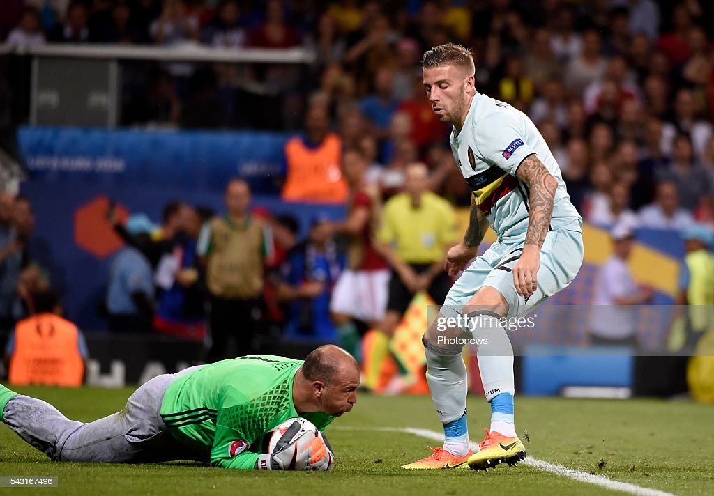 Toby Alderweireld defender of Belgium and Gabor Kiraly goalkeeper of Hungary during the UEFA EURO 2016 Round of 16 match between Hungary and Belgium at the Stadium Toulouse on June 26, 2016 in Toulouse, France ,