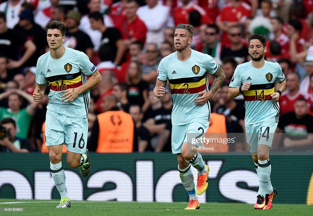 Toby Alderweireld defender of Belgium celebrates with teammates after scoring during the UEFA EURO 2016 Round of 16 match between Hungary and Belgium at the Stadium Toulouse on June 26, 2016 in Toulouse, France ,