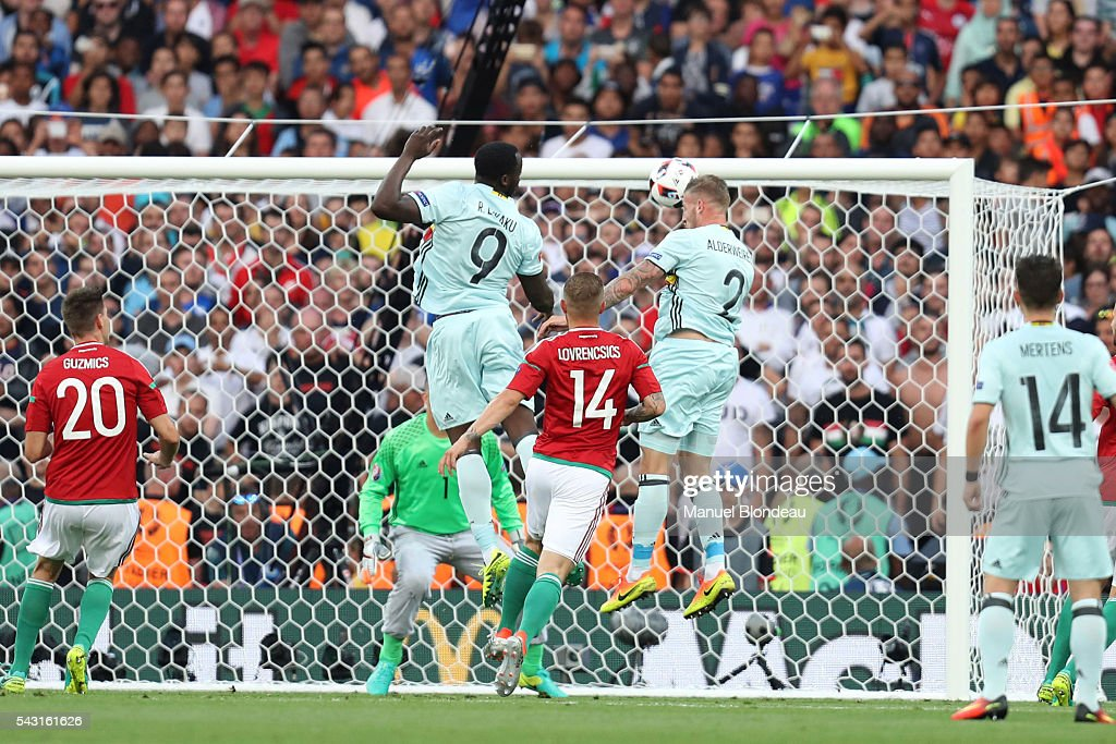 Toby Alderweireld of Belgium heads the ball to score a goal during the European Championship match Round of 16 between Hungary and Belgium at Stadium Municipal on June 26, 2016 in Toulouse, France.