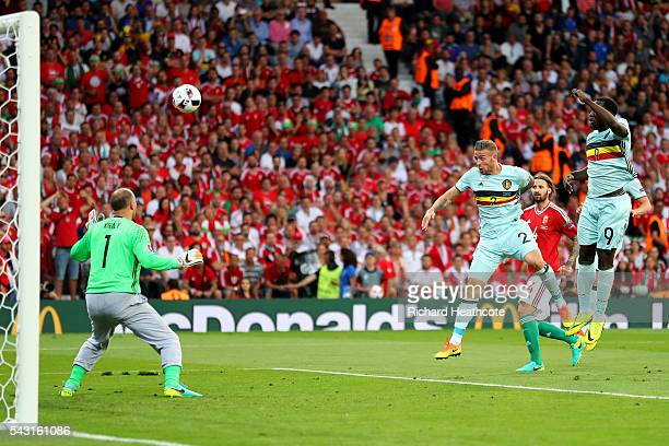 Toby Alderweireld of Belgium heads the ball to score the opening goal past Gabor Kiraly of Hungary during the UEFA EURO 2016 round of 16 match...