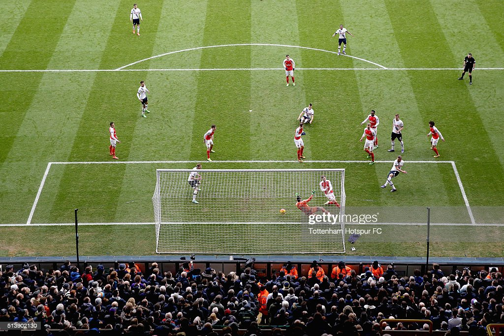 Toby Alderweireld of Tottenham Hotspur scores his team's first goal during the Barclays Premier League match between Tottenham Hotspur and Arsenal at White Hart Lane on March 5, 2016 in London, England.