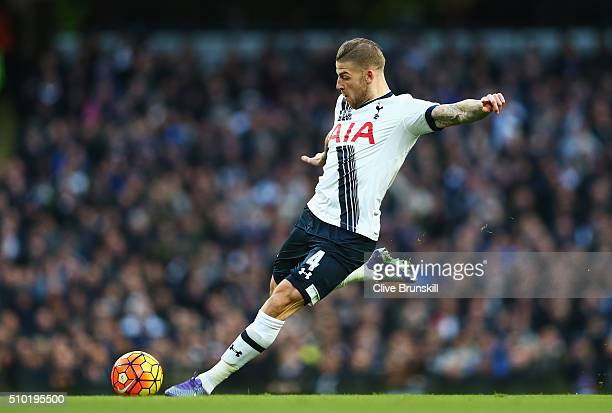 Toby Alderweireld of Tottenham Hotspur shoots at goal during the Barclays Premier League match between Manchester City and Tottenham Hotspur at...