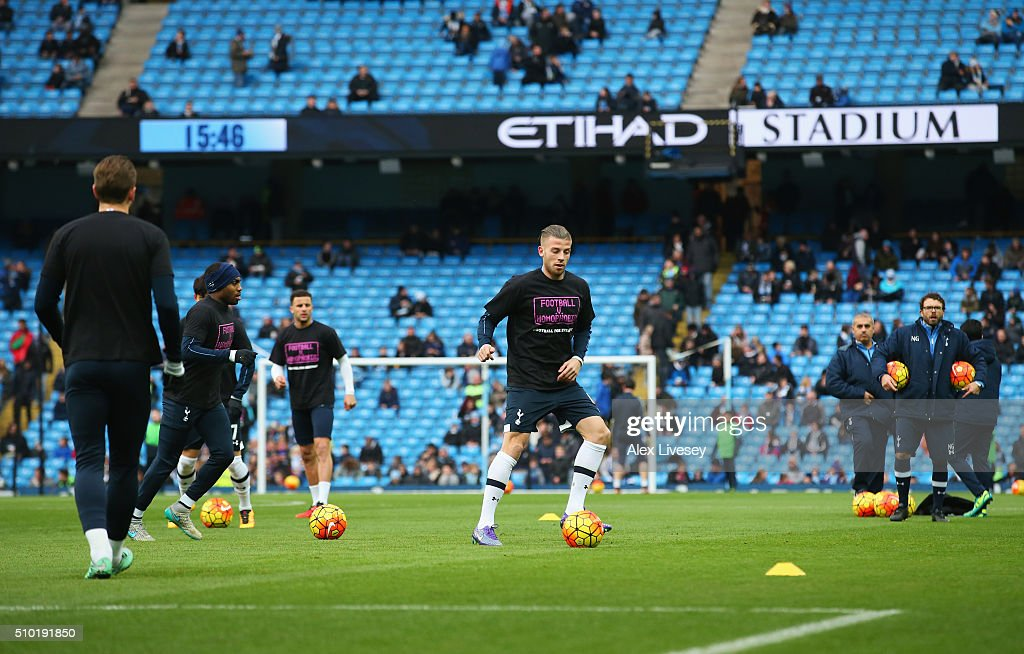 <a gi-track='captionPersonalityLinkClicked' href=/galleries/search?phrase=Toby+Alderweireld&family=editorial&specificpeople=653048 ng-click='$event.stopPropagation()'>Toby Alderweireld</a> of Tottenham Hotspur warms up prior to the Barclays Premier League match between Manchester City and Tottenham Hotspur at Etihad Stadium on February 14, 2016 in Manchester, England.
