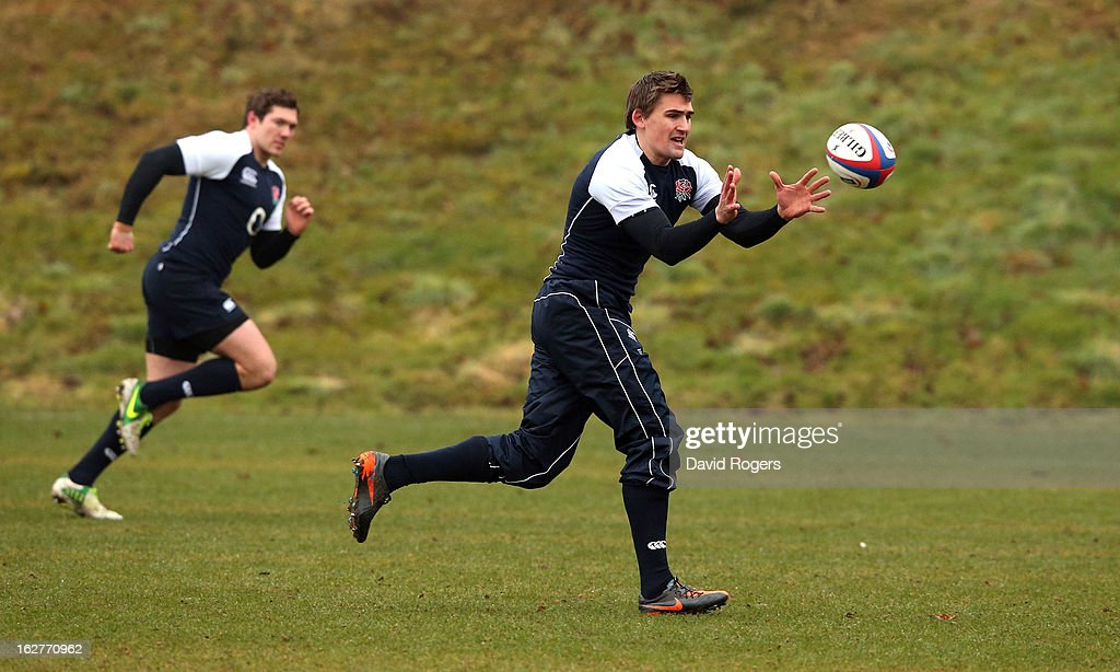 <a gi-track='captionPersonalityLinkClicked' href=/galleries/search?phrase=Toby+Flood&family=editorial&specificpeople=551191 ng-click='$event.stopPropagation()'>Toby Flood</a> catches the ball during the England training session held at Pennyhill Park on February 26, 2013 in Bagshot, England.