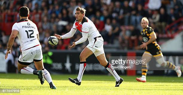 Toby Flood of Toulouse passes the ball during the European Champions Cup match between Toulouse and Wasps at Stade Ernest Wallon on October 23 2016...
