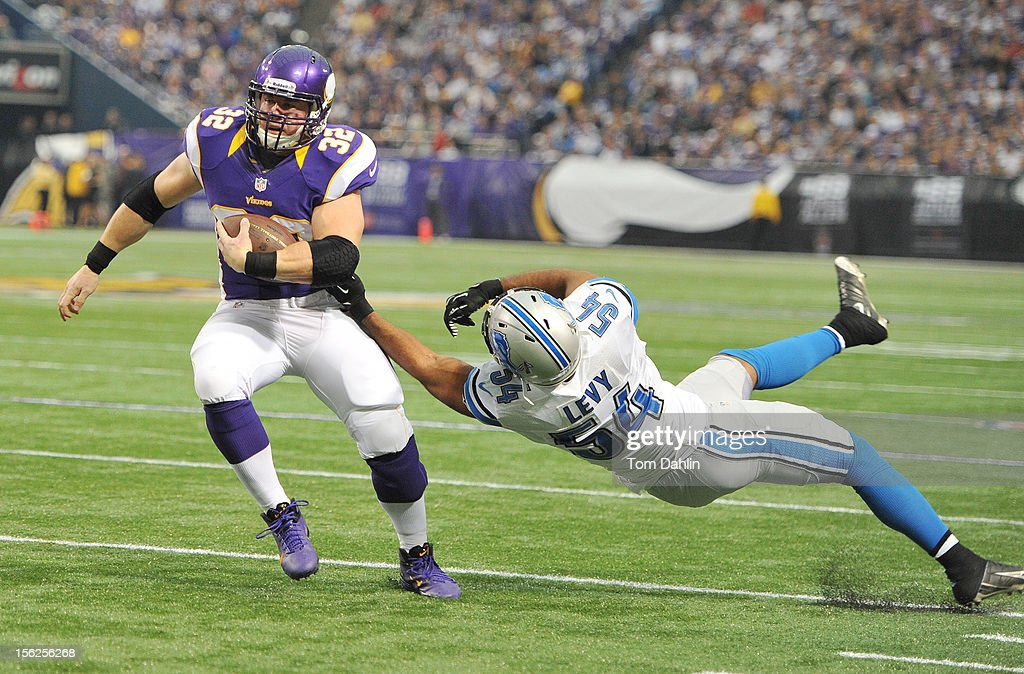 Toby Gerhart #32 of the Minnesota Vikings carries the ball during an NFL game against the Detroit Lions at Mall of America Field at the Hubert H. Humphrey Metrodome on November 11, 2012 in Minneapolis, Minnesota.