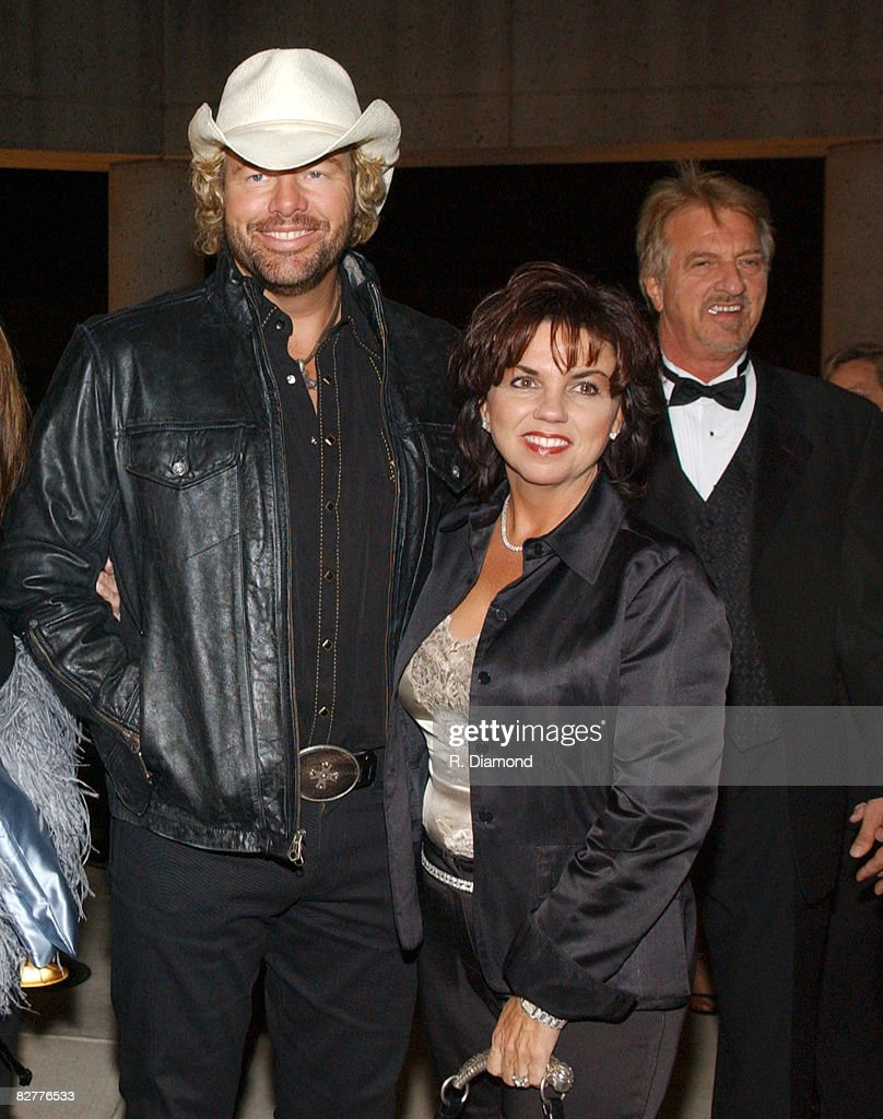 Toby Keith and wife Tricia