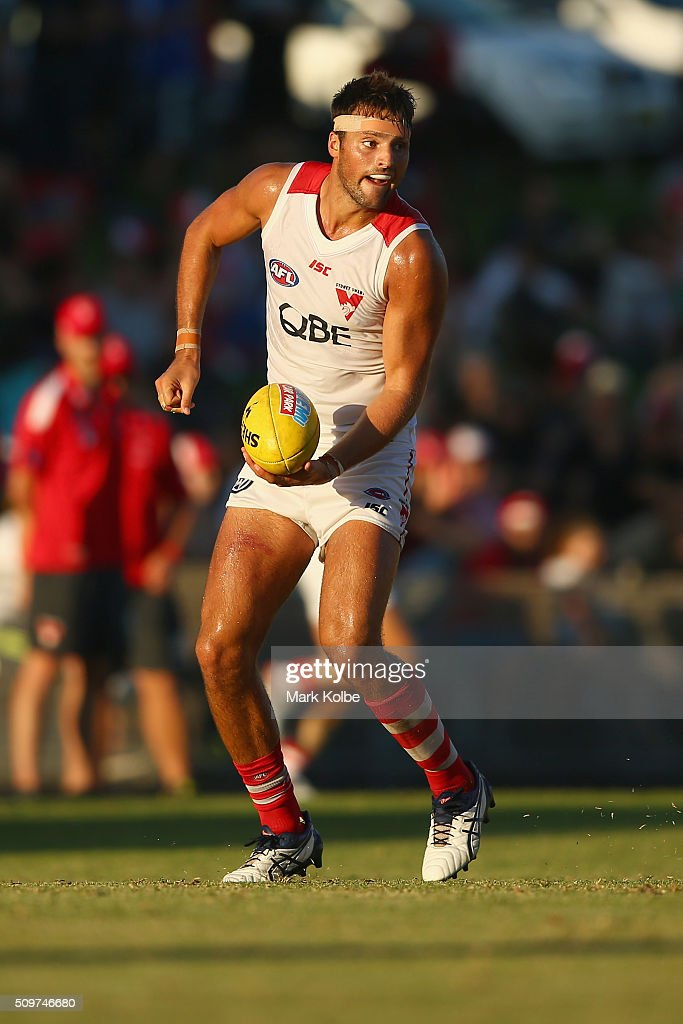Toby Nankervis of the White Team hand balls during the Sydney Swans AFL intra-club match at Henson Park on February 12, 2016 in Sydney, Australia.