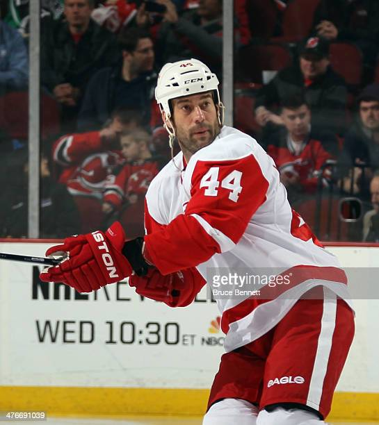 Todd Bertuzzi of the Detroit Red Wings skates against the New Jersey Devils at the Prudential Center on March 4 2014 in Newark New Jersey The Devils...