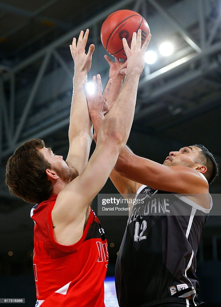 Todd Blanchfield of Melbourne United puts up a shot against Angus Brandt of the Wildcats during the round three NBL match between Melbourne United and the Perth Wildcats at Hisense Arena on October 23, 2016 in Melbourne, Australia.