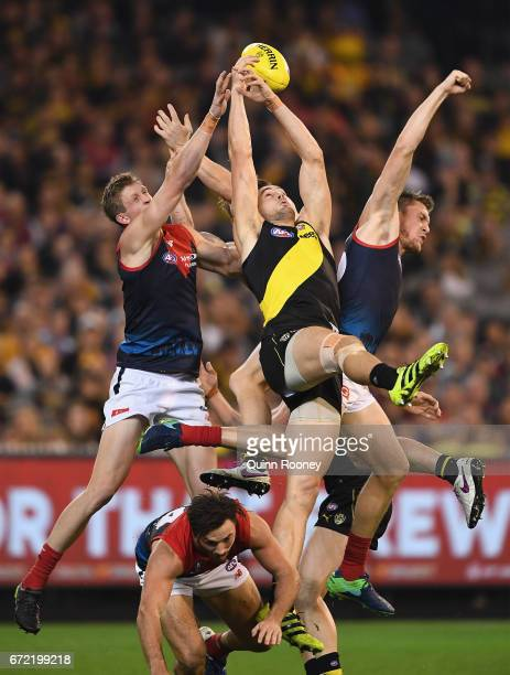 Todd Elton of the Tigers attempts to mark during the round five AFL match between the Richmond Tigers and the Melbourne Demons at Melbourne Cricket...