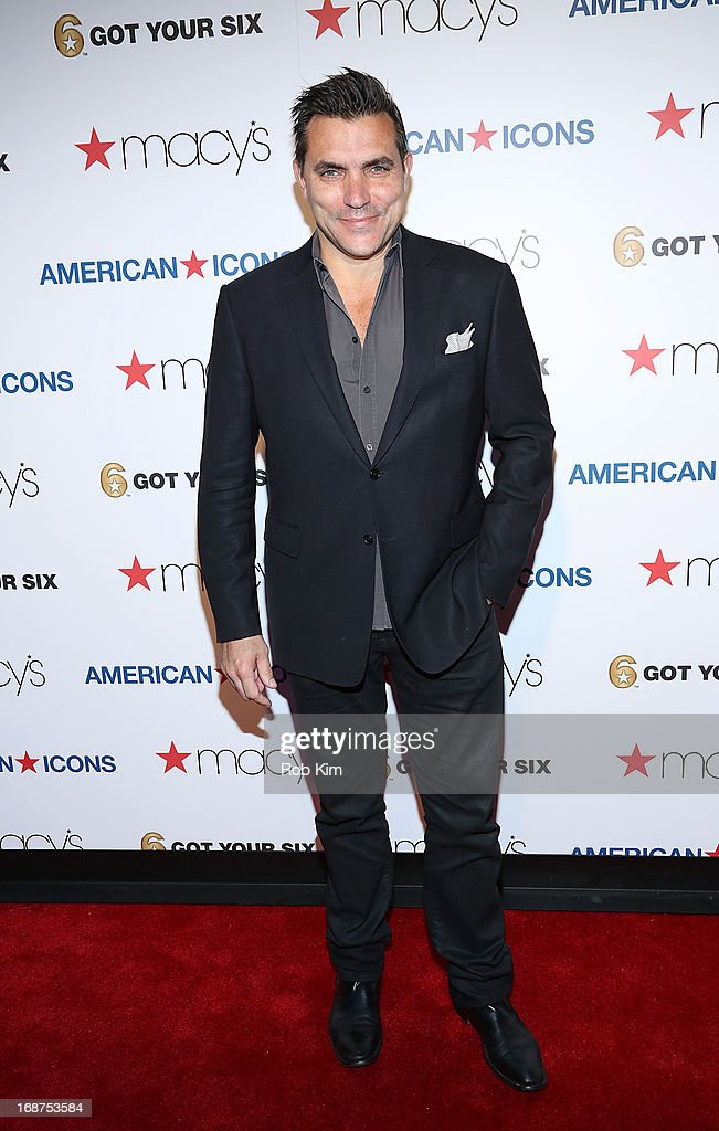 <a gi-track='captionPersonalityLinkClicked' href=/galleries/search?phrase=Todd+English&family=editorial&specificpeople=830239 ng-click='$event.stopPropagation()'>Todd English</a> attends Macy's launches 'American Icons' at Gotham Hall on May 14, 2013 in New York City.