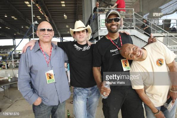 Todd Phelps Brad Paisley Cowboy...