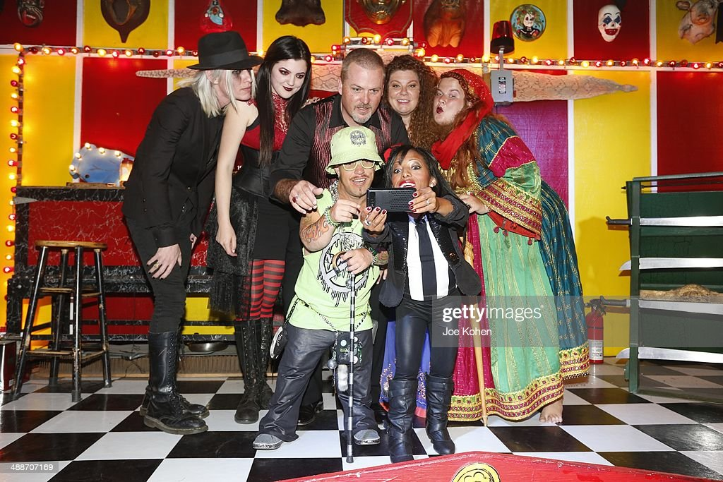 Todd Ray Danielle 'Freakshow Mama' Ray Phoenix Ray Asia Ray Jessa 'The Bearded Lady' Amazing Ali and Wee Matt McCarthy pose for a photo duing AMC's...