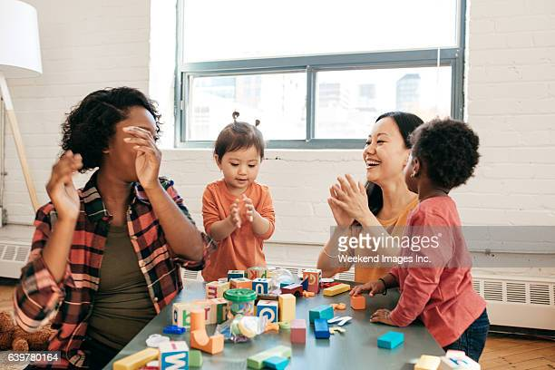Toddlers and mothers play date