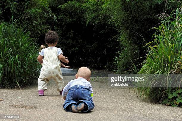 Kleinkinder Fuß und Krabbeln