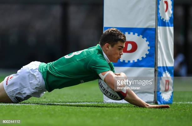 Tokyo Japan 24 June 2017 Garry Ringrose of Ireland scores his side's first try during the international rugby match between Japan and Ireland in the...