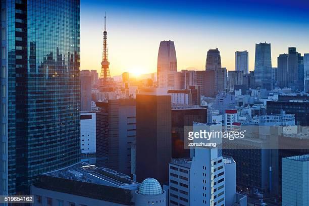 Gratte-ciel de Tokyo et la tour de Tokyo