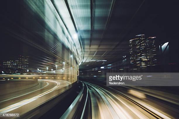 東京の地下鉄のトラック