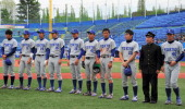 Tokyo University baseball team members show their dejections after losing to Keio University during the Spring League of the Tokyo Big 6 Baseball...