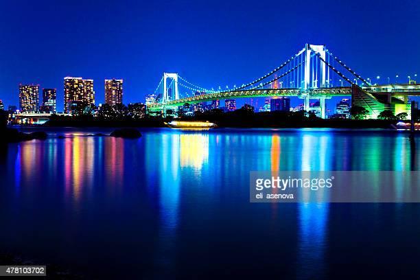 東京のレインボーブリッジ、日本