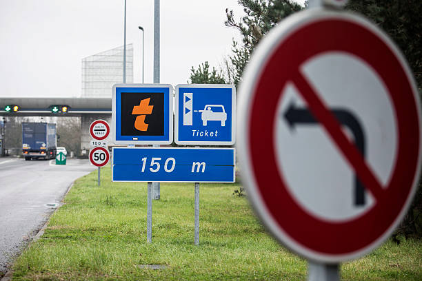 french highway toll booths as government considers fee reduction photos and images getty images. Black Bedroom Furniture Sets. Home Design Ideas