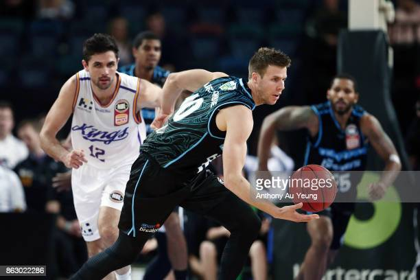 Tom Abercrombie of the Breakers in action during the round three NBL match between the New Zealand Breakers and the Sydney Kings at Spark Arena on...