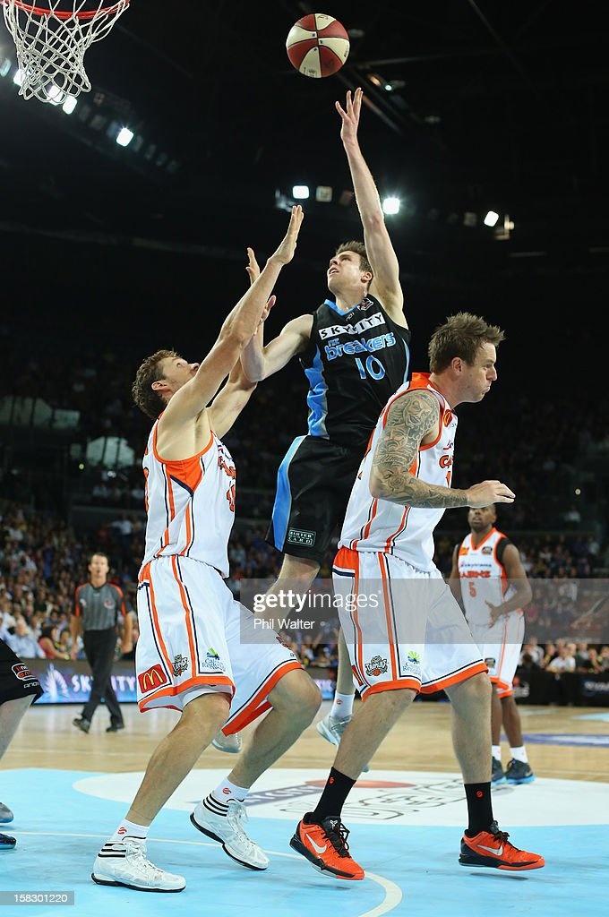 Tom Abercrombie of the Breakers shoots during the round 11 NBL match between the New Zealand Breakers and the Cairns Taipans at Vector Arena on December 13, 2012 in Auckland, New Zealand.