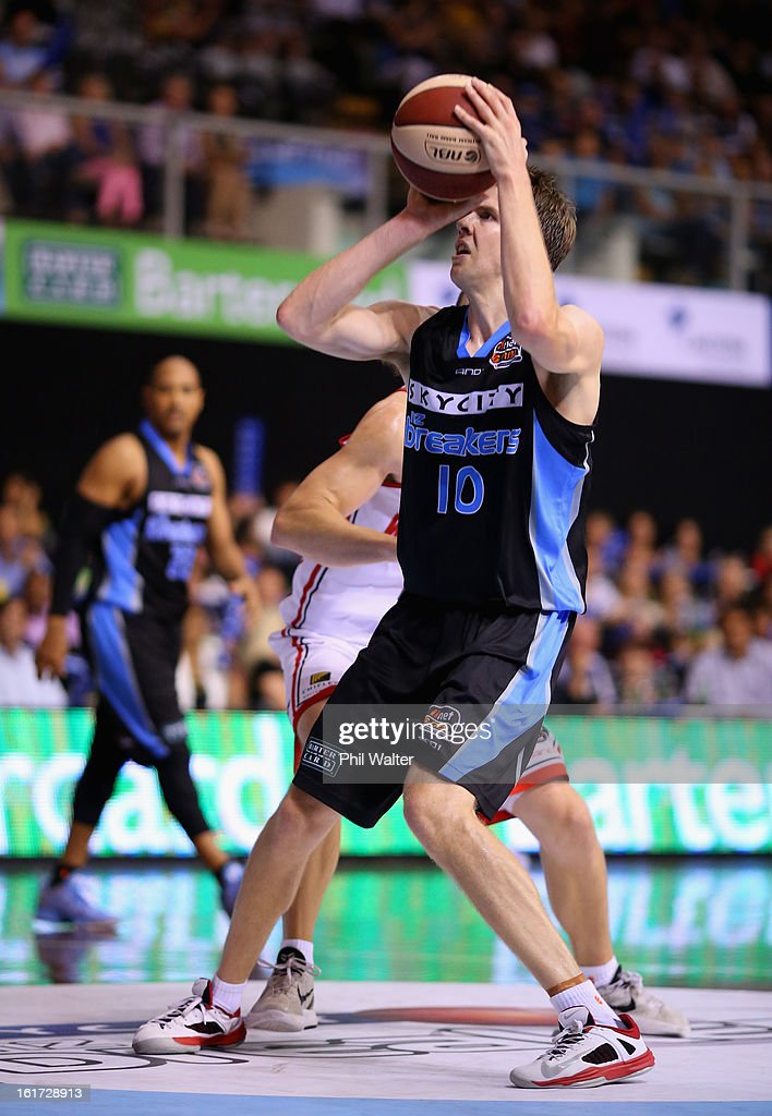 Tom Abercrombie of the Breakers shoots during the round 18 NBL match between the New Zealand Breakers and the Wollongong Hawks at the North Shore Events Centre on February 15, 2013 in Auckland, New Zealand.