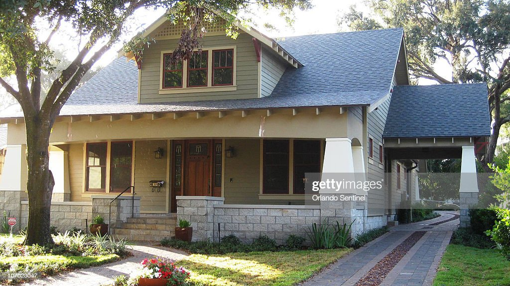 Tom And Vivian Wards New Orlando Home Is Built In The Craftsman - Craftsman style homes with front porches pictures