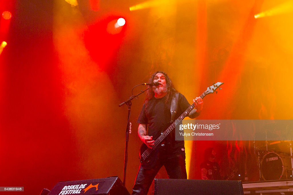 <a gi-track='captionPersonalityLinkClicked' href=/galleries/search?phrase=Tom+Araya&family=editorial&specificpeople=235893 ng-click='$event.stopPropagation()'>Tom Araya</a> from Slayer performs at Roskilde Festival on June 29, 2016 in Roskilde, Denmark.