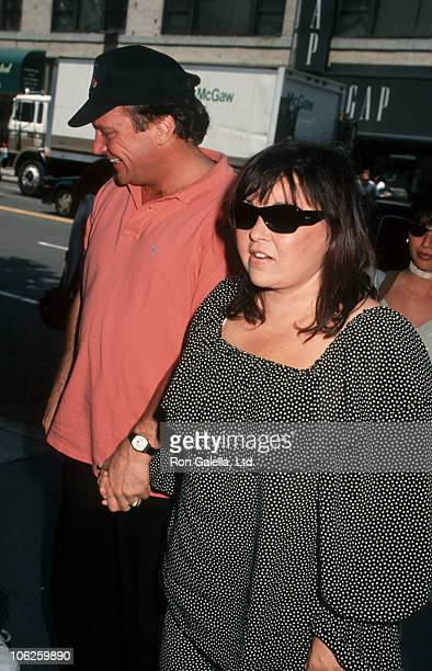 Tom Arnold and Roseanne during Roseanne and Tom Arnold Sighting at HBO Studios in New York City June 17 1993 at HBO Studios in New York City New York...