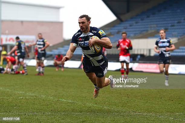 Tom Arscott of Sale goes over to score a try during the Aviva Premiership match between London Welsh and Sale Sharks at The Kassam Stadium on...