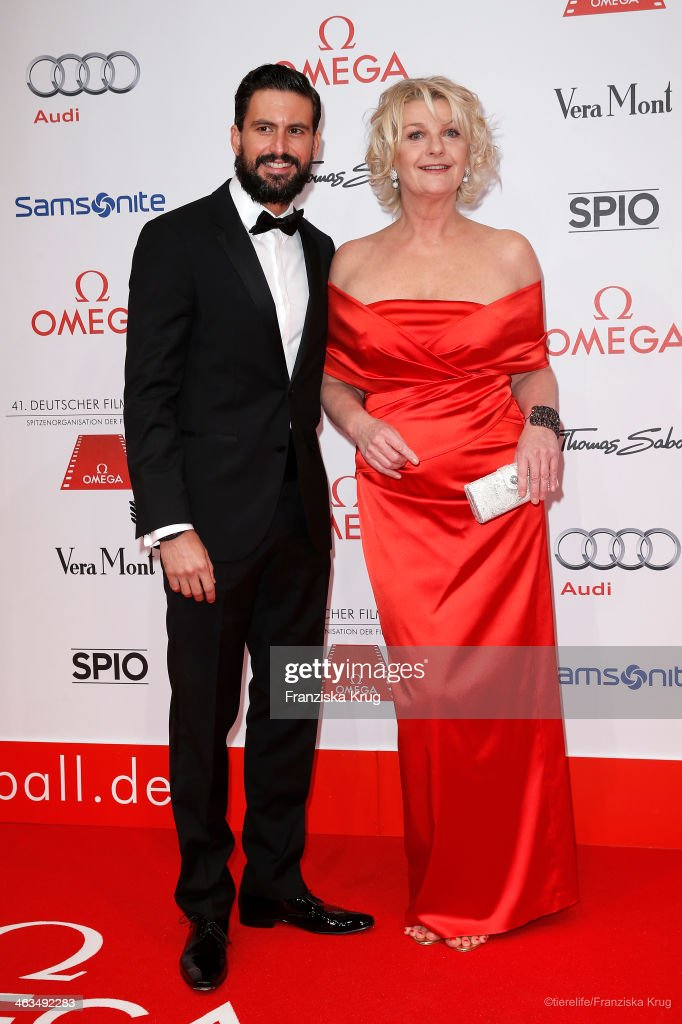 Tom Beck and Saskia Vester attend the German Film Ball 2014 - Red Carpet Arrivals on January 18, 2014 in Munich, Germany.
