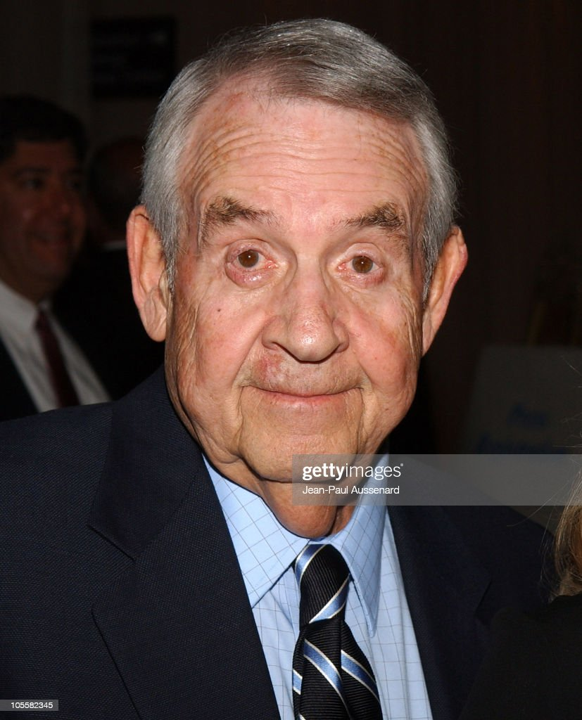Tom Bosley during The 6th Annual Family Television Awards Arrivals at Beverly Hilton in Beverly Hills California United States