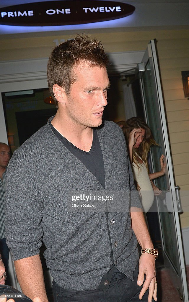 Tom Brady and Gisele Bundchen leaves at Prime 112 Steakhouse on November 3, 2012 in Miami Beach, Florida.