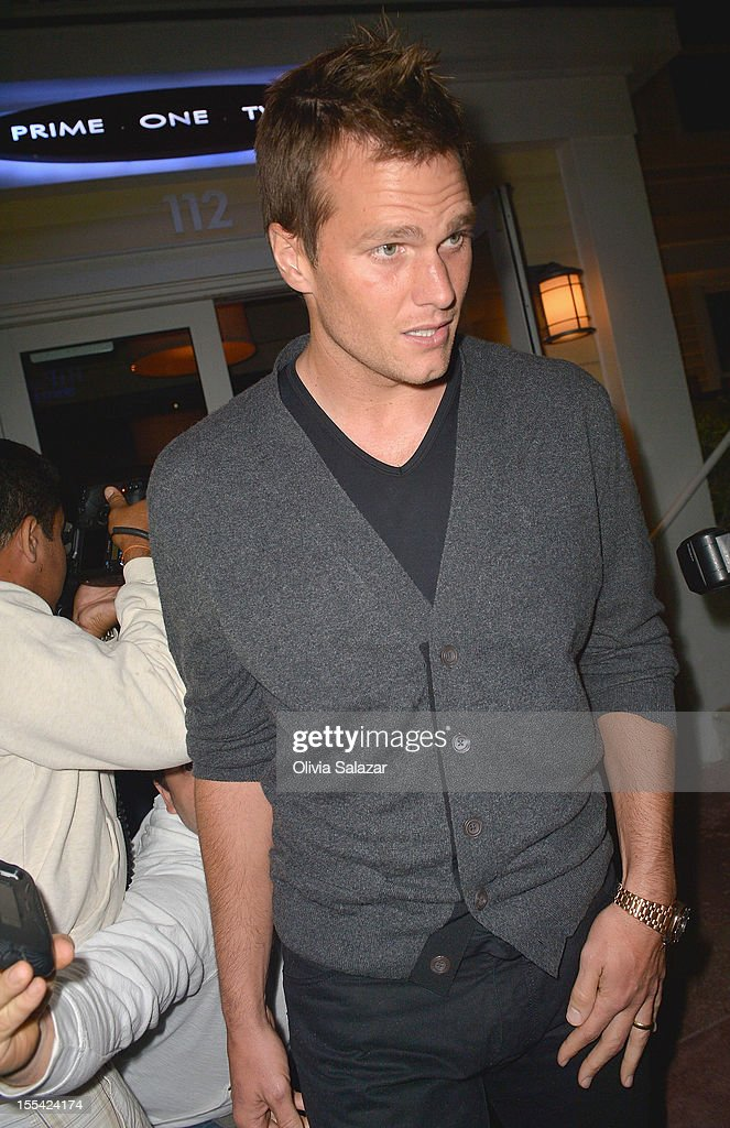 Tom Brady leaves at Prime 112 Steakhouse on November 3, 2012 in Miami Beach, Florida.