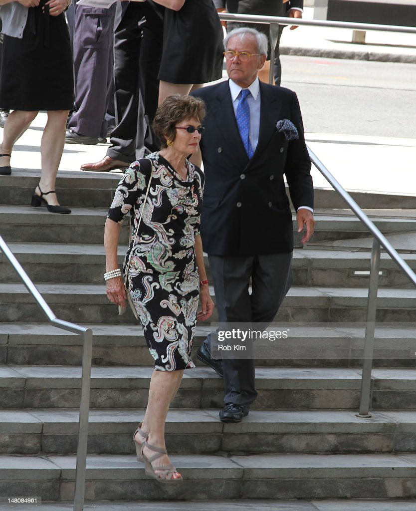 <a gi-track='captionPersonalityLinkClicked' href=/galleries/search?phrase=Tom+Brokaw&family=editorial&specificpeople=203263 ng-click='$event.stopPropagation()'>Tom Brokaw</a> attends the Nora Ephron Memorial Service on July 9, 2012 in New York City.