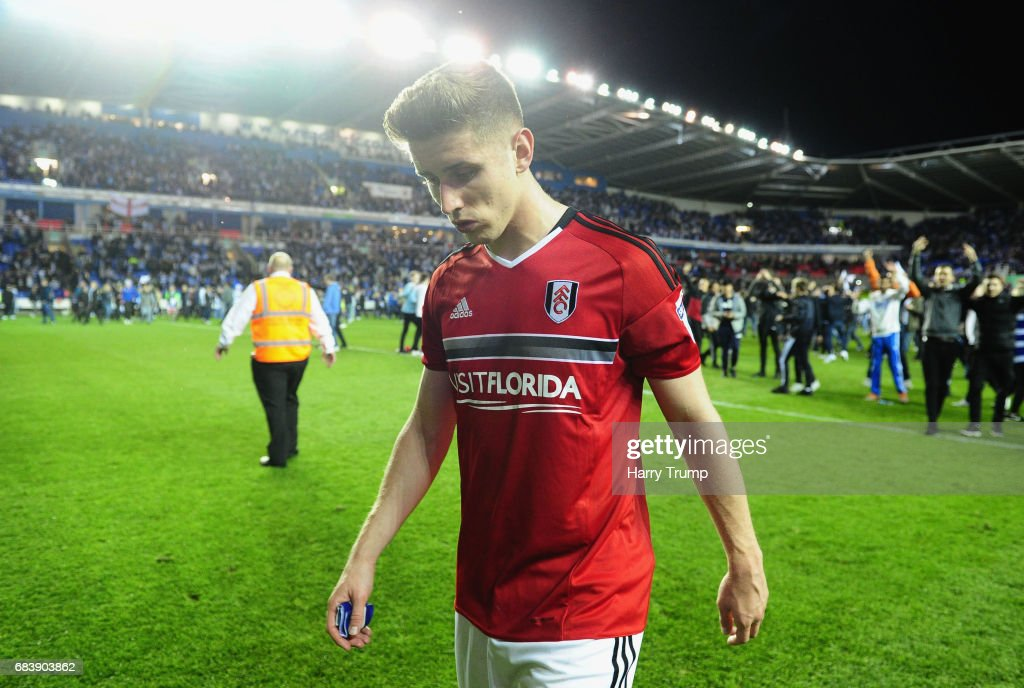 Tom Cairney of Fulham is dejected after the Sky Bet Championship Play Off Second Leg match between Reading and Fulham at Madejski Stadium on May 16, 2017 in Reading, England.