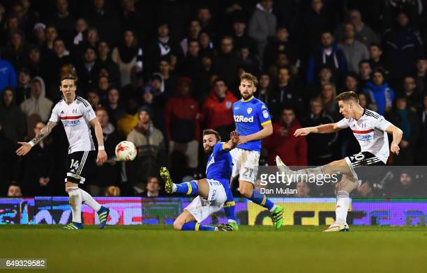 Tom Cairney of Fulham scores their first and equalising goal during the Sky Bet Championship match between Fulham and Leeds United at Craven Cottage...