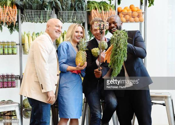 Tom Colicchio Kristen Bell Bobby Flay and Taye Diggs attend the 2017 #DrinkGoodDoGood Campaign Launch at Little River on August 9 2017 in New York...