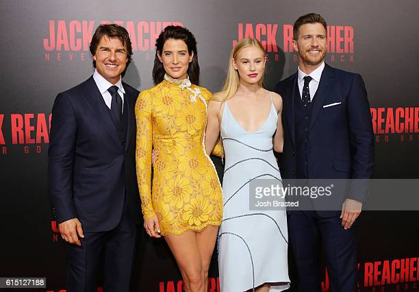 Tom Cruise Cobie Smulders Danika Yarosh and Patrick Heusinger attend the fan screening of the Paramount Pictures title 'Jack Reacher Never Go Back'...