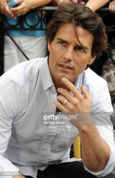 AMERICA Tom Cruise is pictured in Times Square for an appearance on GOOD MORNING AMERICA 6/22/10 airing on the ABC Television Network GM10 TOM