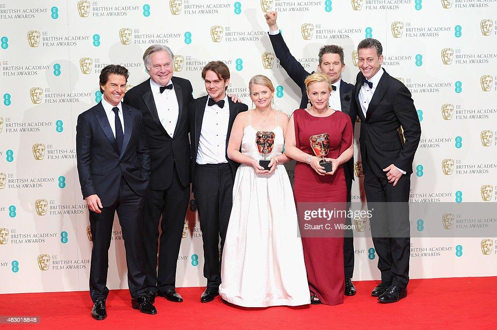 Tom Cruise Jonathan Sehring Cathleen Sutherland Ellar Coltrane Ethan Hawke Patricia Arquette and John Sloss celebrate Best Film 'Boyhood' in the...