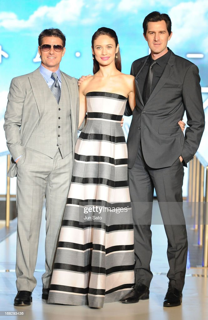 Tom Cruise, Olga Kurylenko and director Joseph Kosinski attend the 'Oblivion' Japan Premiere at Roppongi Hills on May 8, 2013 in Tokyo, Japan. The film will open on May 31 in Japan.