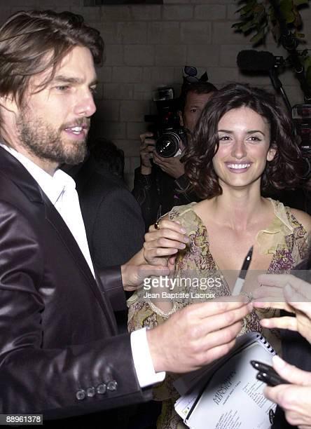 Tom Cruise Penelope Cruz signing autographs together
