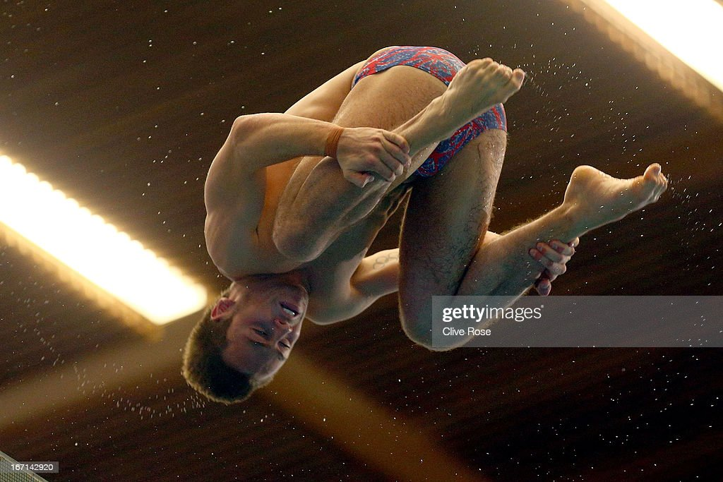 <a gi-track='captionPersonalityLinkClicked' href=/galleries/search?phrase=Tom+Daley+-+Diver&family=editorial&specificpeople=2652461 ng-click='$event.stopPropagation()'>Tom Daley</a> of Great Britain in action during the Men's 10m Platform Final during day three of the FINA/Midea Diving World Series 2013 at the Royal Commonwealth Pool on April 21, 2013 in Edinburgh, Scotland.